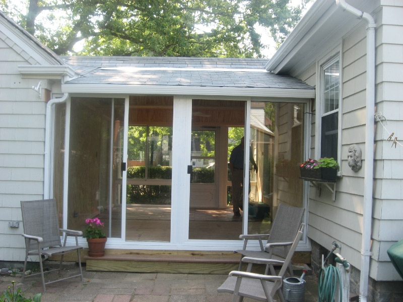 Sunroom before after pictures l f pease company for Breezeway screen room