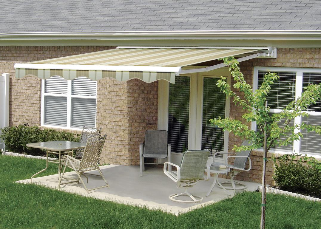 Retractable Awnings Gallery: L.F.Pease Company